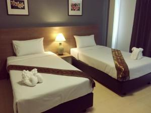 Room - R