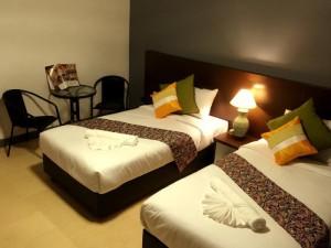 Room - L